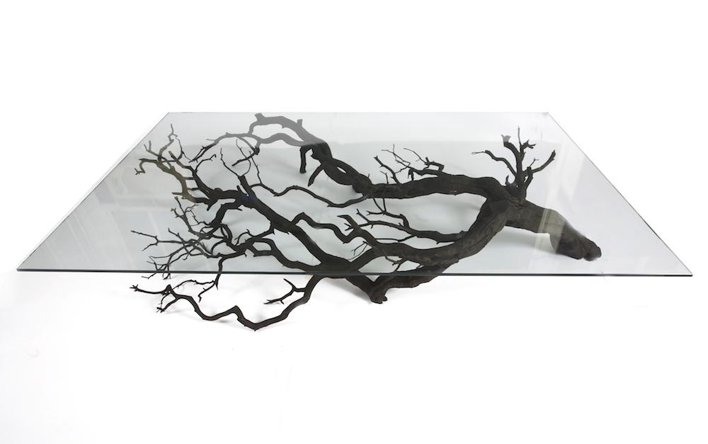 他將這些枯樹枝撿來加工改造,最後做出來的「獨一無二神級傢俱」就是你家唯一缺少的幸福元素!