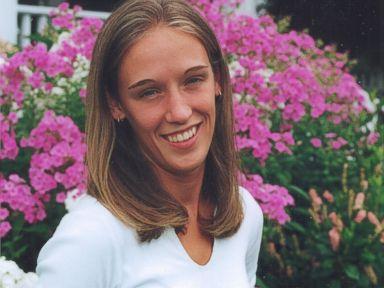 這名女子被謀殺後因證據不足石沈大海,但在五年後卻因「隱形眼鏡」發現兇手竟是......
