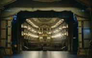 15張「在大型劇院舞台上眺望觀眾席的驚人幕後照片」,讓你看到為什麼這麼多人搶著想要當演員!