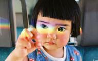 他用相機記錄「全世界最上相小女生」,網友看到其他照片都驚覺「她不可能是人類吧?」