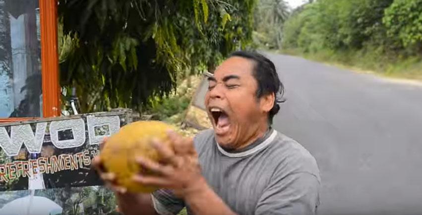 把椰子咬爆