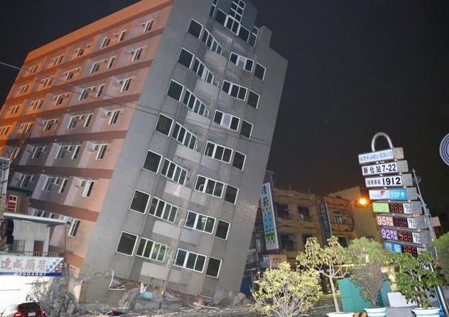 南台灣規模6.4強震震垮這幾棟大樓、災情四起,看到恐怖倒塌畫面才知道有多恐怖!
