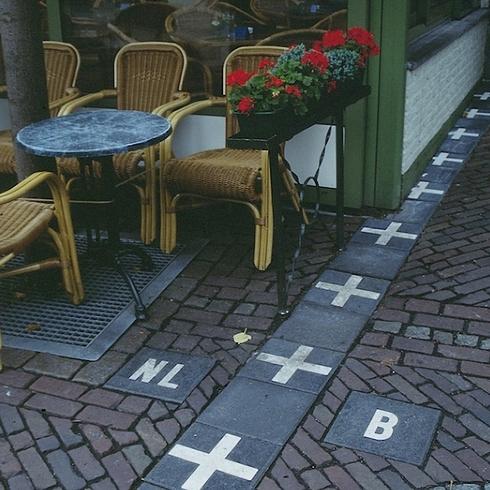 22張「每個國家軍事最嚴謹」的地方 荷蘭和比利時的邊界太酷了!
