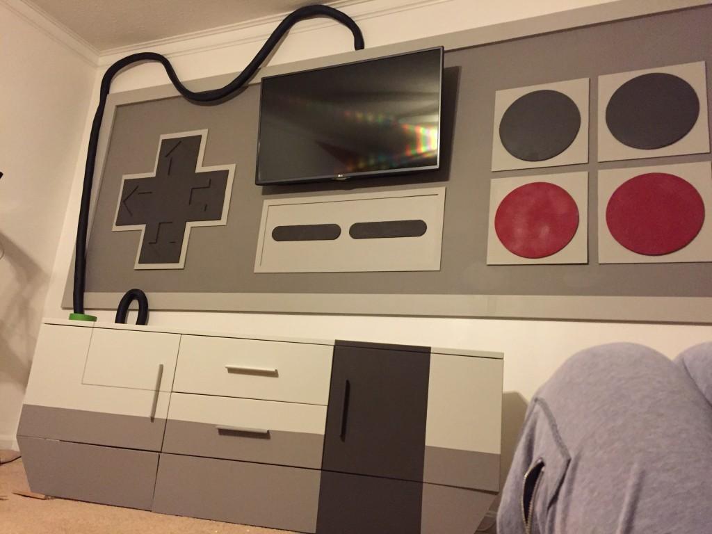 他原本只是想幫長大的兒子改裝遊戲室,沒想到「超懷念神級改裝」讓網友都說想住他們家了!
