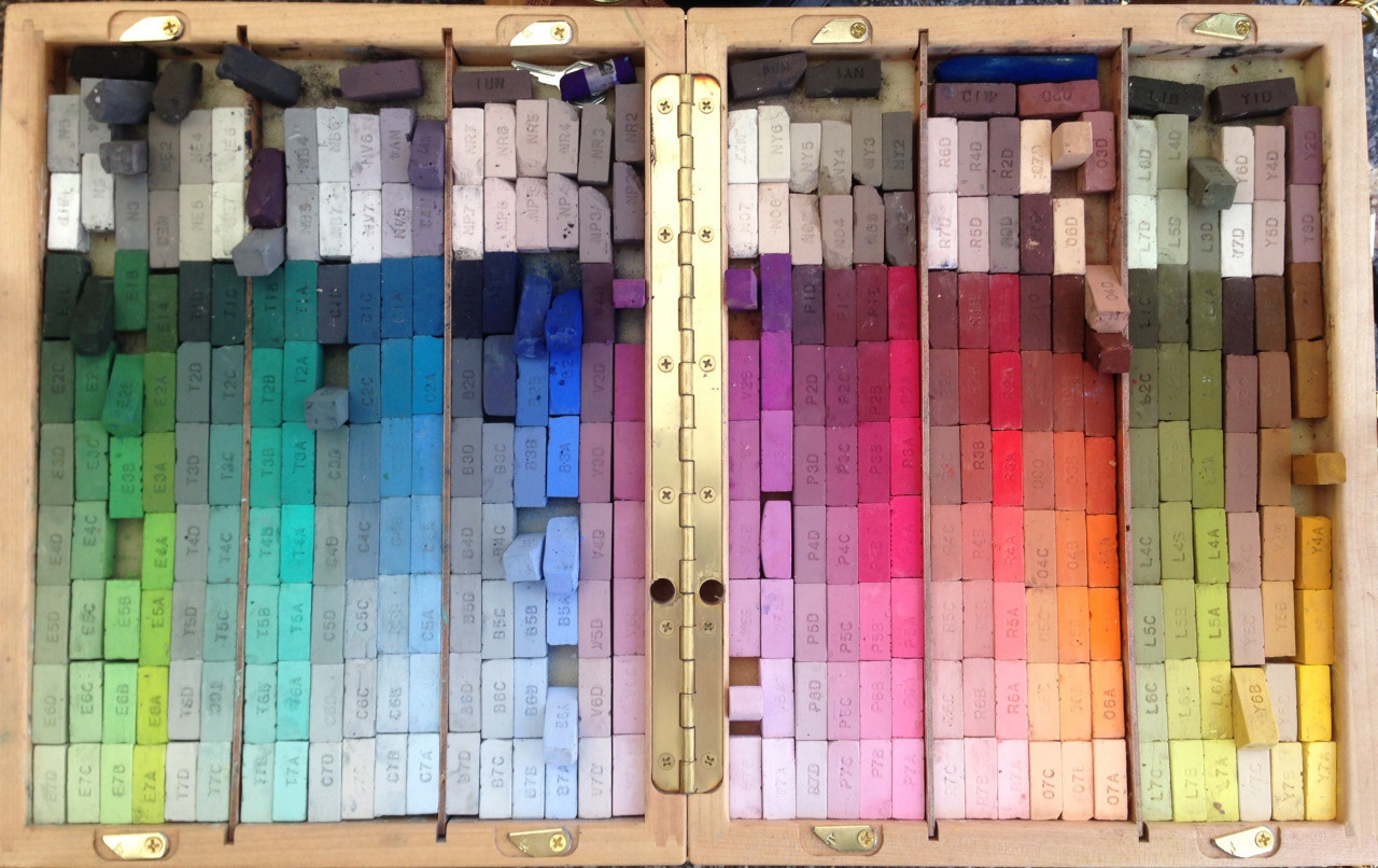 Pastels sorted by colors.