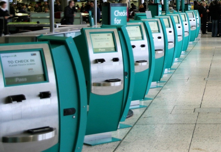 Self_check-in_at_Dublin_Airport