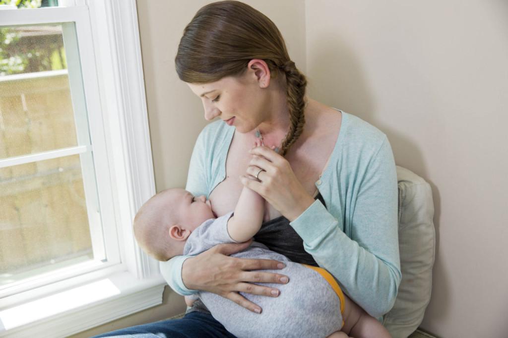 7_Myths_About_Breastfeeding-001