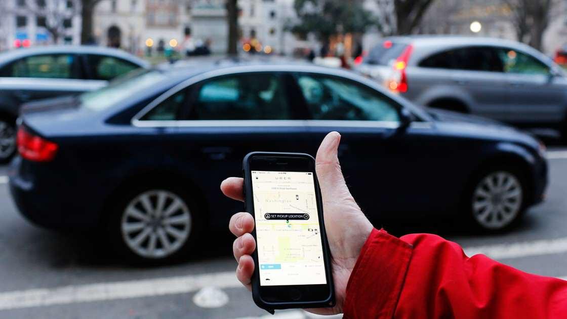 他上了車之後還問「你不會是那個Uber殺人魔吧?」,他不知跟他對話的駕駛員就是那個殺人魔!