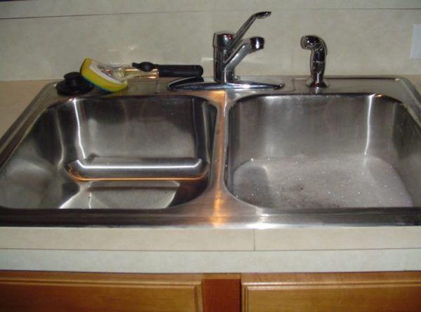 18樣「每個人都以為已經清洗乾淨但其實髒到危險」的家居用品!