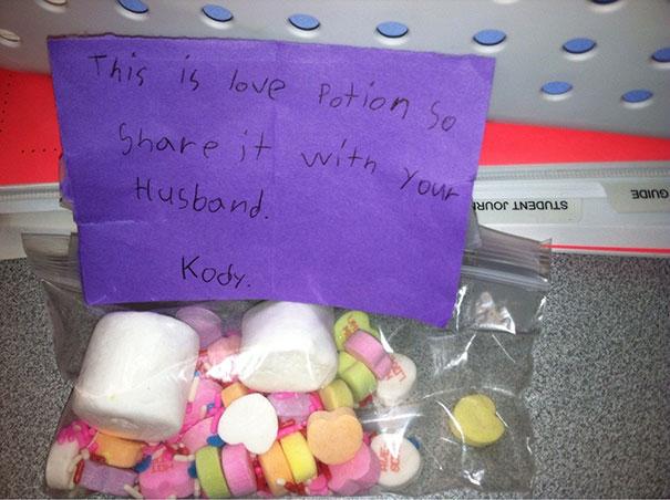 14張小孩子寫的「過度真誠到有點變態」的情人節卡片,收到後實在不知道該感動還是該報警啊!