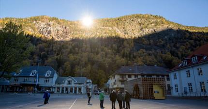 位於阿爾卑斯山的村落整個冬天都照不到太陽,但他們只用了這個「大家都有的東西」就解決了困境!