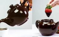 這100%巧克力的「超誘人可口巧克力壺」太完美了!當看到茶壺破開裡面的模樣,網友全都受不了搶購了!