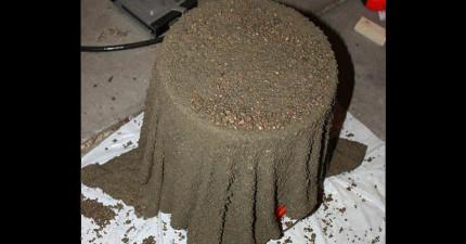 她把一條毛巾沾進了剛混好的水泥,過了24小時後我看到了「連家具店都買不到的超美物品」!