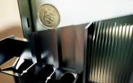 每次販賣機吐出假硬幣都會讓人很疑惑,但看到裡面的「超神辨識機關」才知道販賣機為什麼絕對不會收到偽幣!