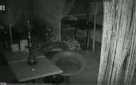 大多數人都不相信鬼討厭水煙,但看過這個酒吧打烊後監視器拍到的畫面後我真的無法再鐵齒了!