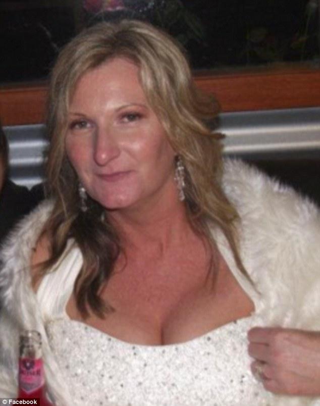 如果你是女性的話,這張「胸部下方長出的酒窩」照片背後的故事可能會讓你開始提心吊膽了...