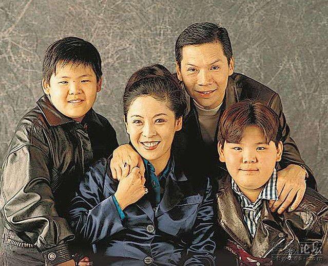 龍五的兒子小時候胖胖被質疑沒辦法當演員,但他現在的超帥健美身材讓酸民都乖乖閉嘴了...