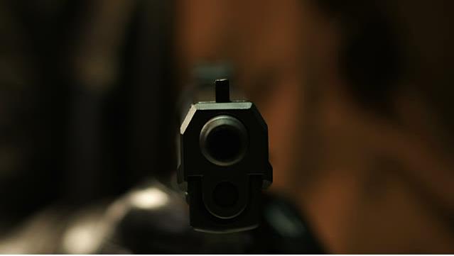 電影裡人被槍射中的畫面騙了我們這麼多年,他們用每秒0.4KM子彈射中皮膚的恐怖真實畫面會顛覆你的世界!