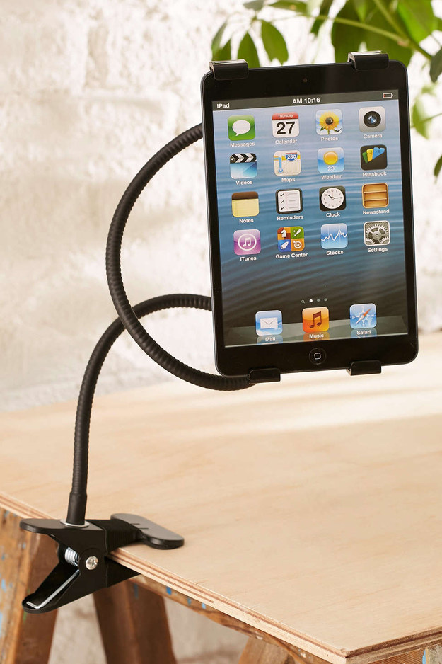 A gooseneck holder to keep your tablet in the ~perfect~ position.