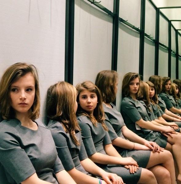 網友已經為「這張照片中有幾個女孩」吵到開戰了!你能算得出來到底有幾個嗎?