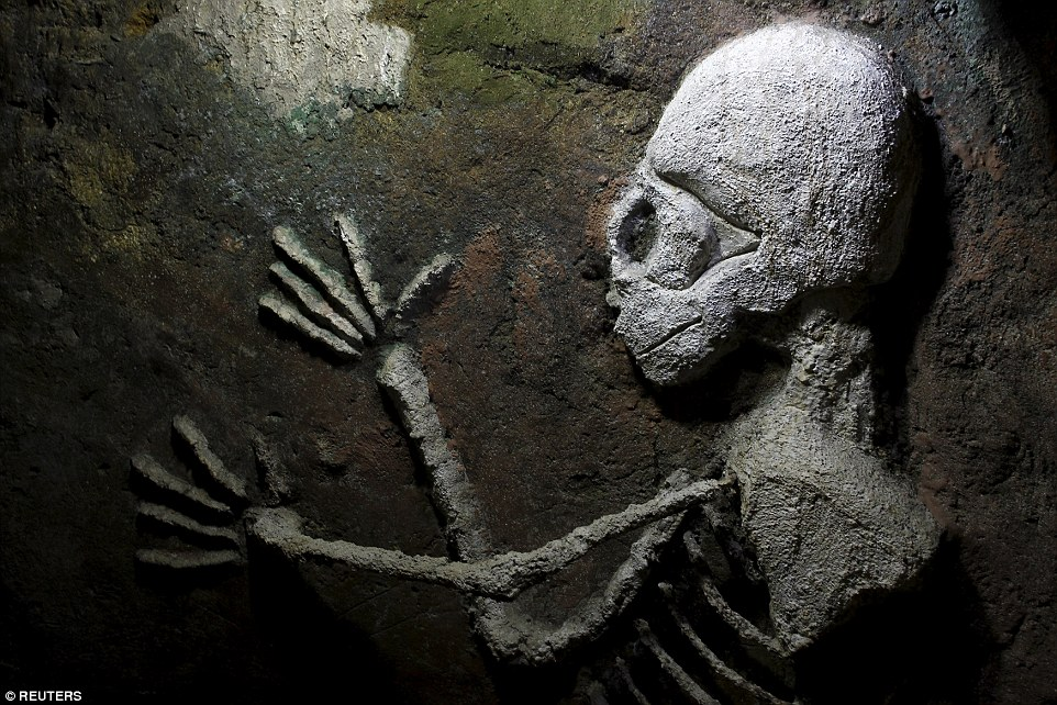 One of the most eerie creations is a skeleton that has been painted on the wall in the Costa Rican lair