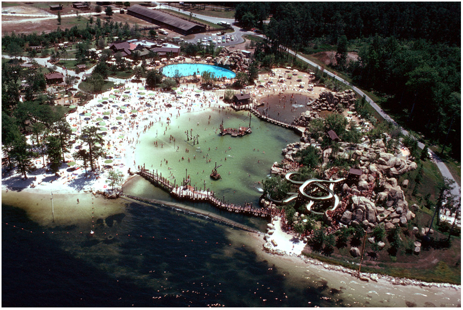 At its peak, River Country boasted four water slides, a sand-bottom lake, an white water rapids, and a tubing river.