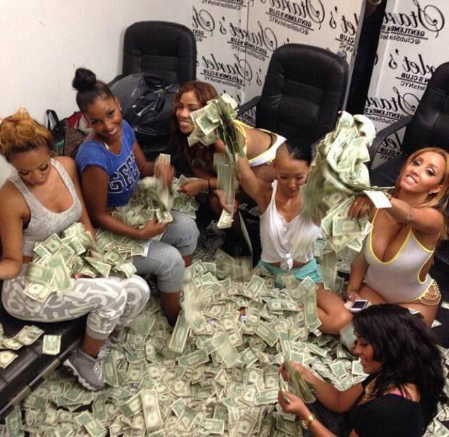 22張「超猛脫衣舞者平時生活」證明你擔心她們賺不夠錢真的完全過慮了!