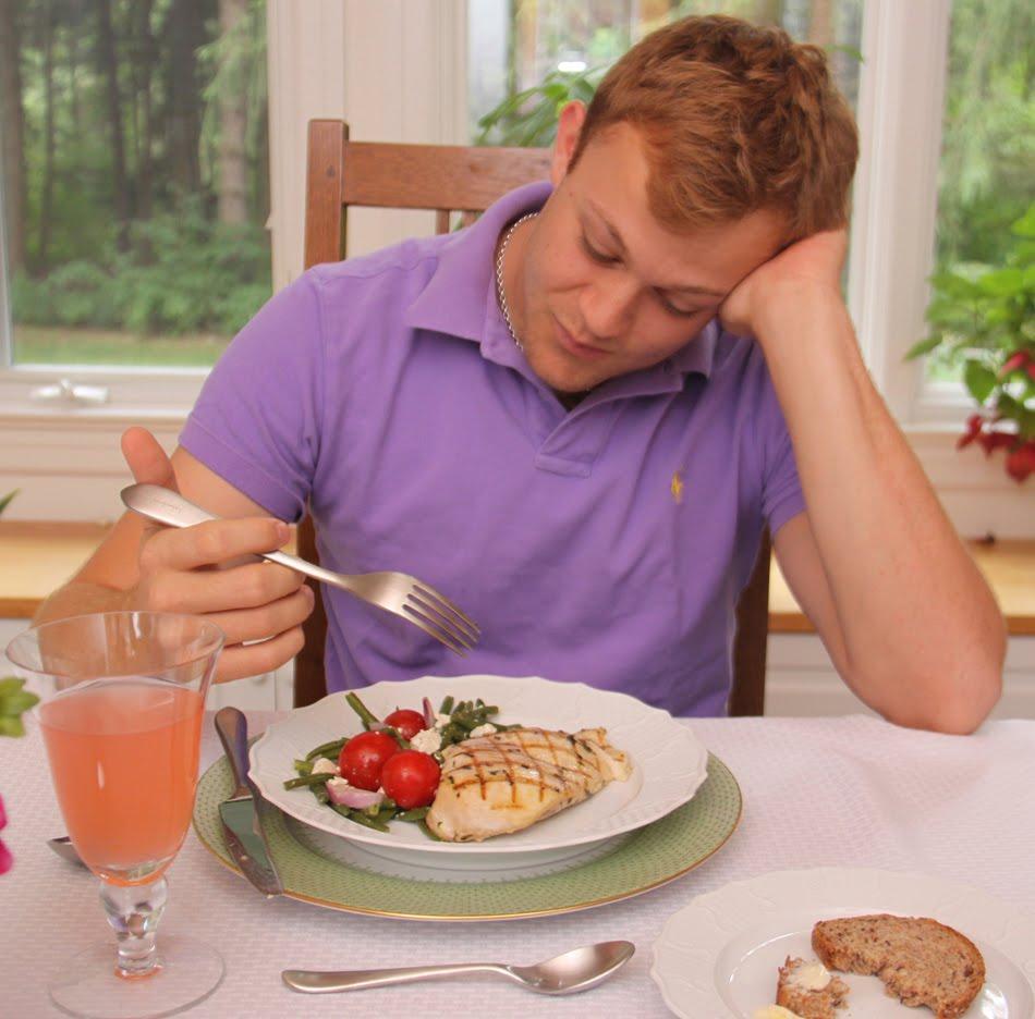 18個沒學好會「丟臉丟到國外去」基本餐桌禮儀