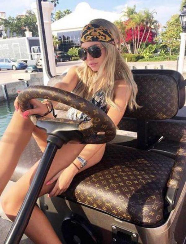 scolaro-sisters-instagram-18
