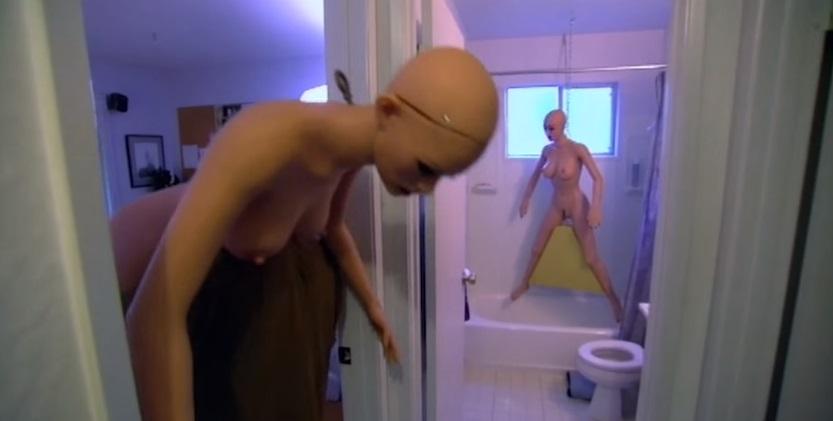 「人形娃娃醫生」每天都應客戶要求做保養,進行到最噁心的步驟時無法不吐!