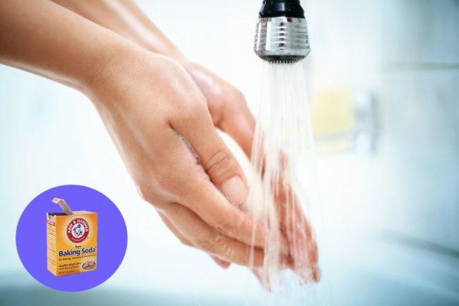 將半匙小蘇打混在水裡每2小時喝一口,效果居然這麼強大?!