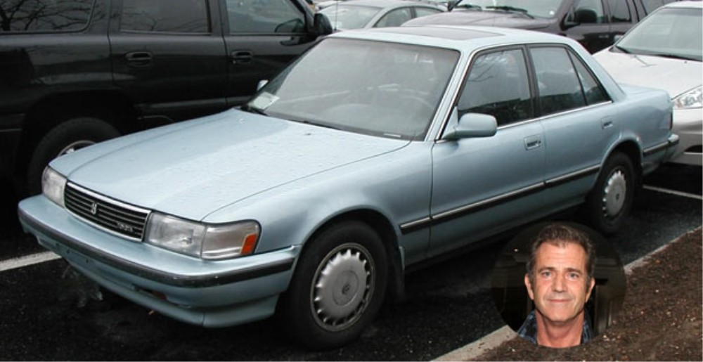 11個「明明可以買好幾部跑車在家當裝飾」最後卻選擇開平價車的名人富豪!你猜得出這是誰的車嗎?