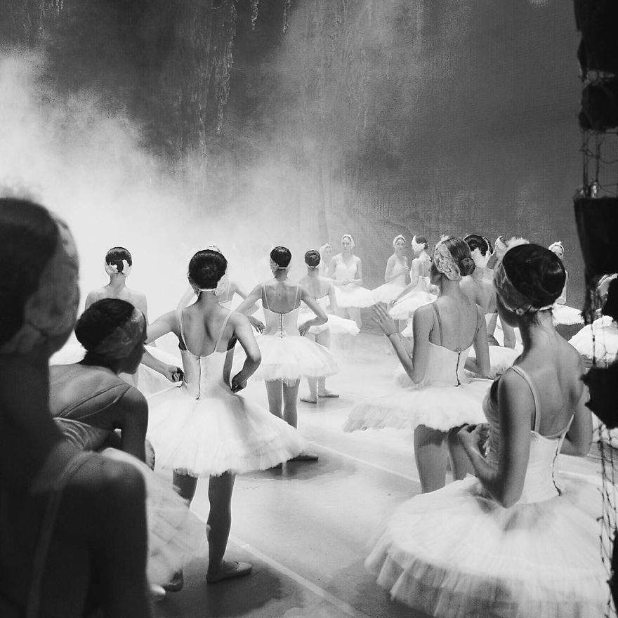 Russian-Ballet-photographer-Darian-Volkova-shares-behind-the-stage-life-of-dancers28__880