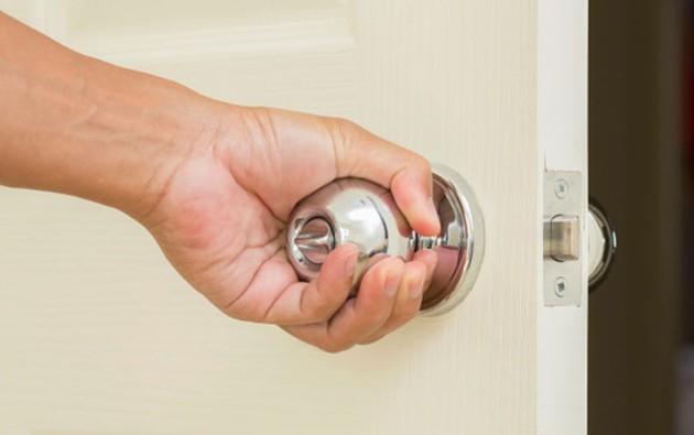 這就是為什麼你必須馬上把家裡所有門把手都改成銅的!對健康超重要!
