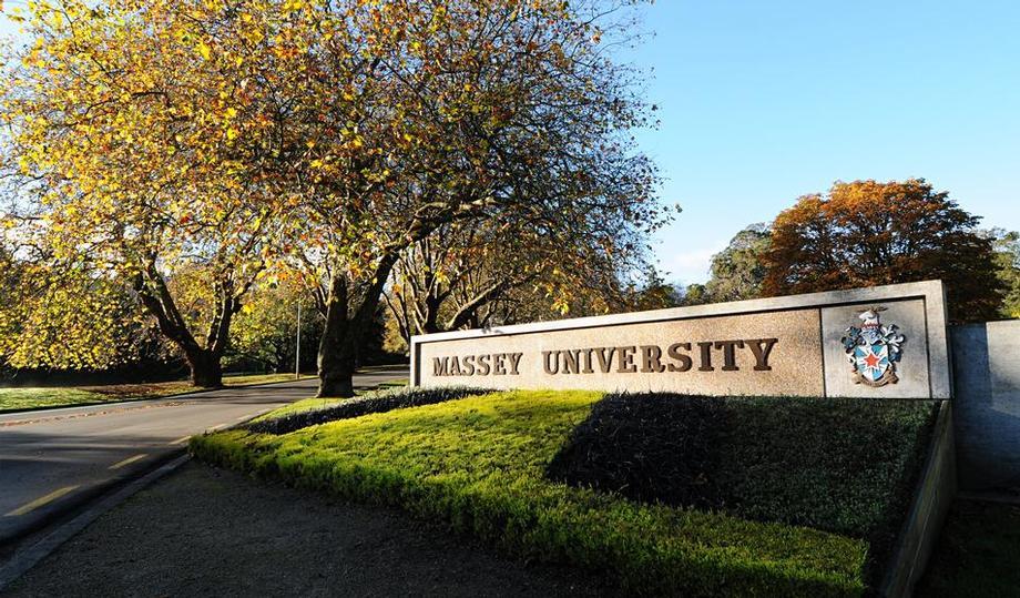 紐西蘭梅西大學校外租屋出現多名淫房東,聽到他們提供女學生「房租全免」的代價讓家長都氣炸了!