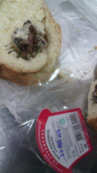 15張「會讓你做惡夢」照片證明為什麼你吃飯時絕對不要一直盯著手機看。