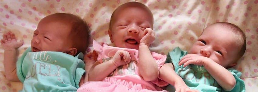 這對夫妻在網路上PO了家中三胞胎的可愛照片,結果醫生一看才發現這「2億分之一機率」案情並不單純!