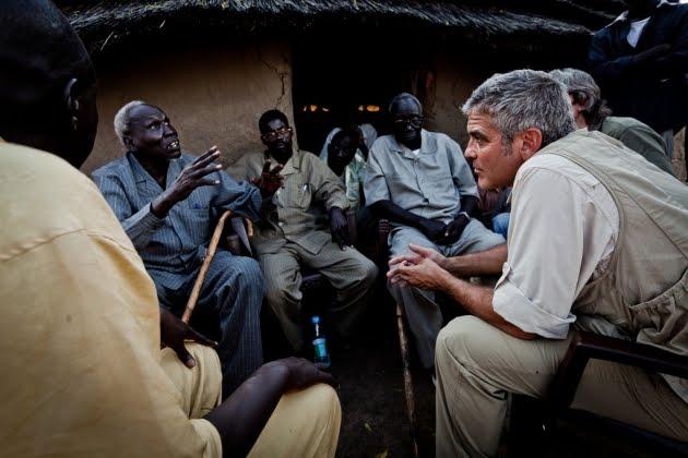 george-clooney-listens-to-sudan-people