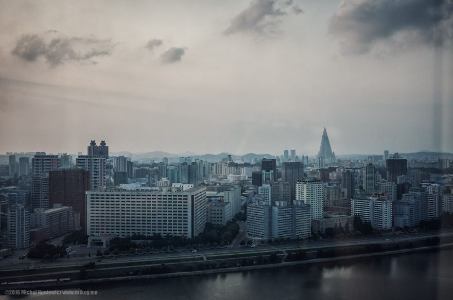 i-took-and-smuggled-these-out-of-north-korea-illegal-photos-kim-doesnt-want-you-to-see-15__880