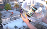 他把14台iPhone 6黏上一顆玻璃球從30.5公尺高的屋頂往下丟,存活率讓我太驚訝了!