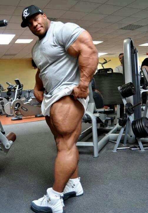 massive-muscles-have-a-little-fun-2