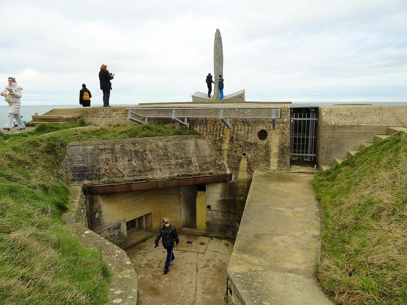 pointe-du-hoc-monument-3