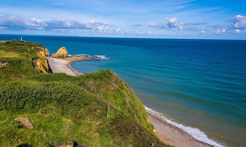 pointe-du-hoc-view-from-the-cliff