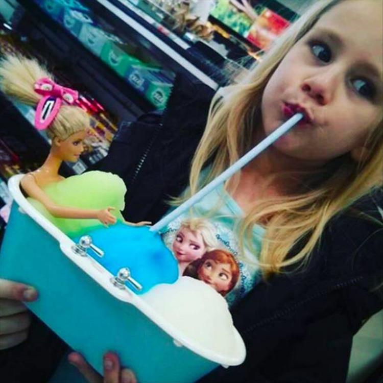 美國小7舉辦的「自帶容器思樂冰裝到滿」活動吸引大批奇葩高手,如果到台灣來的話那小7就要倒閉了!