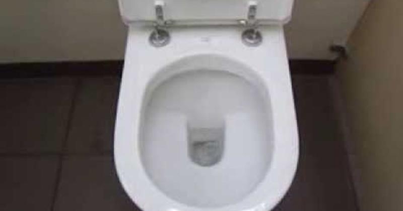 這就是為什麼你絕對不該在上廁所時玩手機!