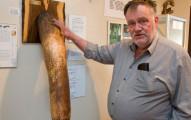 他收到朋友惡作劇送的鯨魚GG後從此欲罷不能開始瘋狂蒐集,最後成立世界唯一超精采的「GG博物館」!