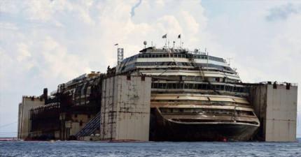 他們從海底打撈了一艘破船,船內宛如《鐵達尼號》電影中的場景讓我都看傻眼了!