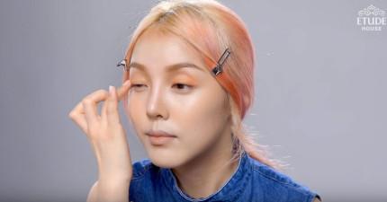 這名明顯是亞洲臉孔的美女接著開始化妝,完成後你就會發現亞洲人也可以變成100%混血兒!