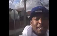 這名男子拍攝現場FB影片拍到一半,拍到自己被機關槍掃射擊中數次。(非趣味)