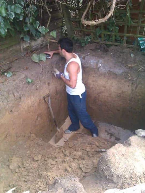 他在後院挖出一個大洞時我對他的動機還很懷疑,但1年後經過時我還以為自己走進了《魔戒》的世界!